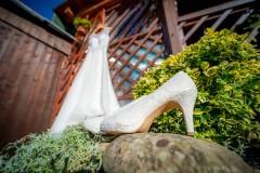 foto-nevěsty-šaty-a-boty