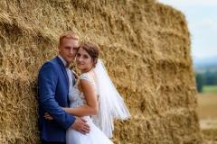 svatba-balíky-slámy