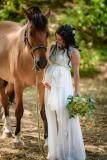 těhotná-nevěsta-s-koněm-těhu-fotky